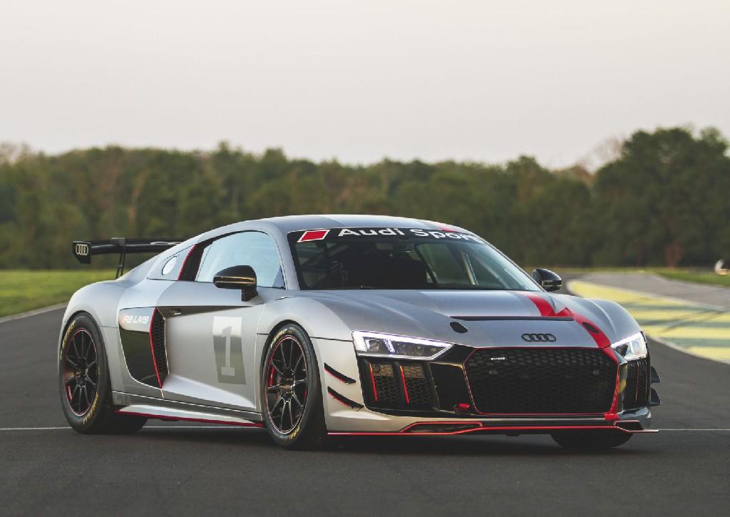Meisterliches Fahreraufgebot im Audi R8 LMS GT4