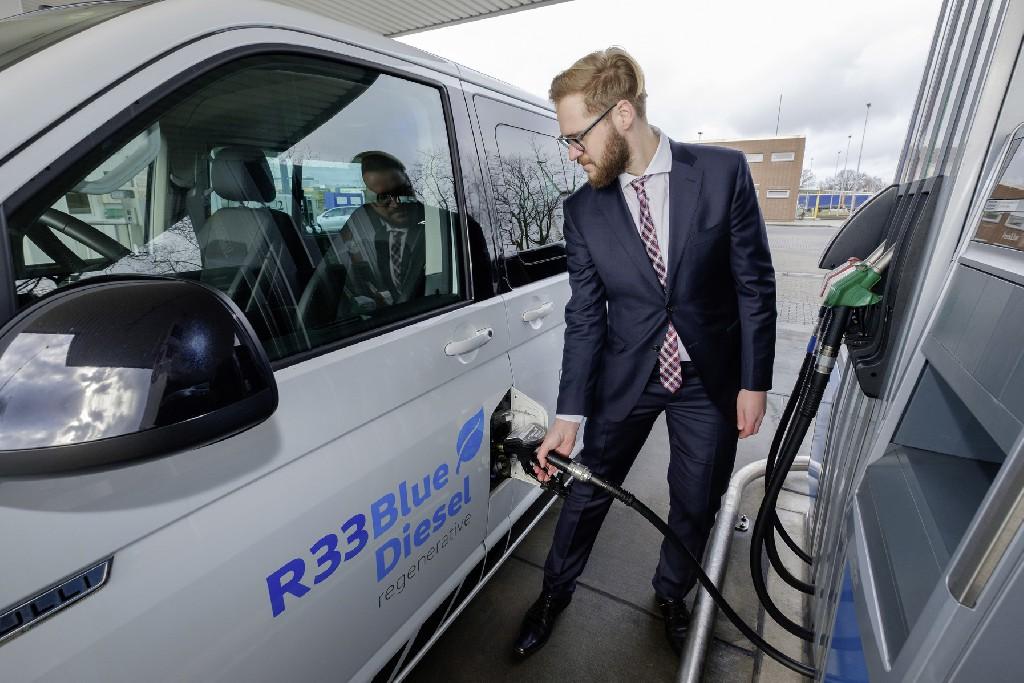 Neuer regenerativer Kraftstoff R33 BlueDiesel