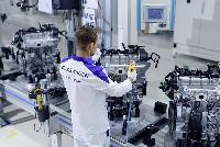 Volkswagen Konzern eröffnet eigenes Motorenwerk in Russland