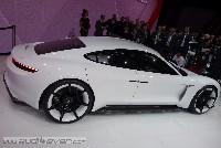 Porsche Mission E: 600 PS, 500 Kilometer Reichweite, 15 Minuten Ladezeit