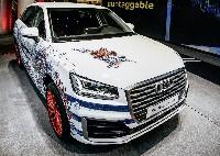 Audi versteigert Q2 im Design von Jean Paul Gaultier