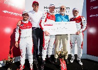 Frank Stippler gewinnt Audi TT cup Race of Legends