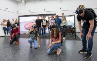 Schüler tauchen im DigiCamp bei Audi in virtuelle Arbeitswelten ein