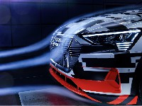 Audi e-tron-Prototyp mit maßgebender Aerodynamik