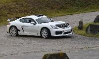 Cayman GT4 Clubsport als Vorausfahrzeug im Rallyesport