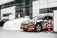 Audi e-tron Charging Service komplettiert Ladeangebot