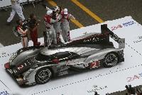 Le-Mans-Siegerwagen fährt durch das Audi-Werk in Ingolstadt