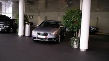 dib -Audi A4 Limousine