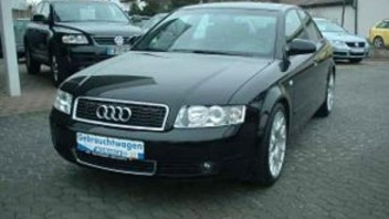 ykeeh -Audi A4 Limousine