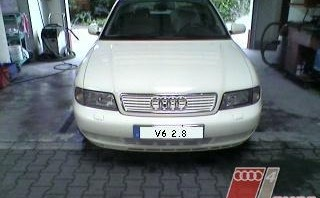 weißer Riese -Audi A4 Limousine