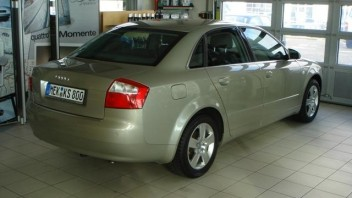 iden -Audi A4 Limousine