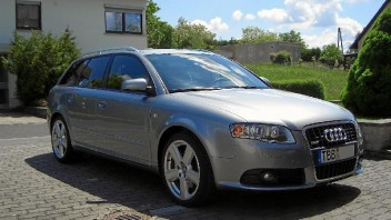 burberry -Audi A4 Avant