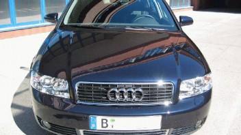 gelu -Audi A4 Limousine