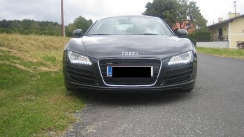Avante -Audi R8