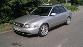 Audi-Helmut -Audi A4 Limousine