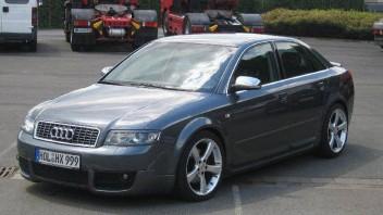 audi30 -Audi A4 Limousine