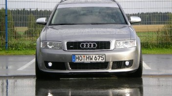 Colour-Lightning -Audi A4 Avant