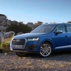 Audi SQ7 TDI Driving Scene - 2016