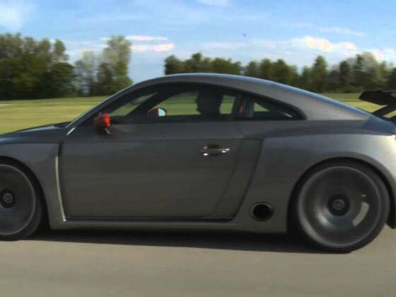 Audi TT Clubsport Turbo Concept drinving scene