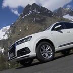 Audi Q7  in Arablau und Tofanweiss