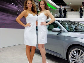 Genf Autosalon 2015 - Car Babes
